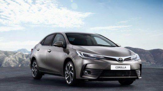Toyota corolla sedan 4
